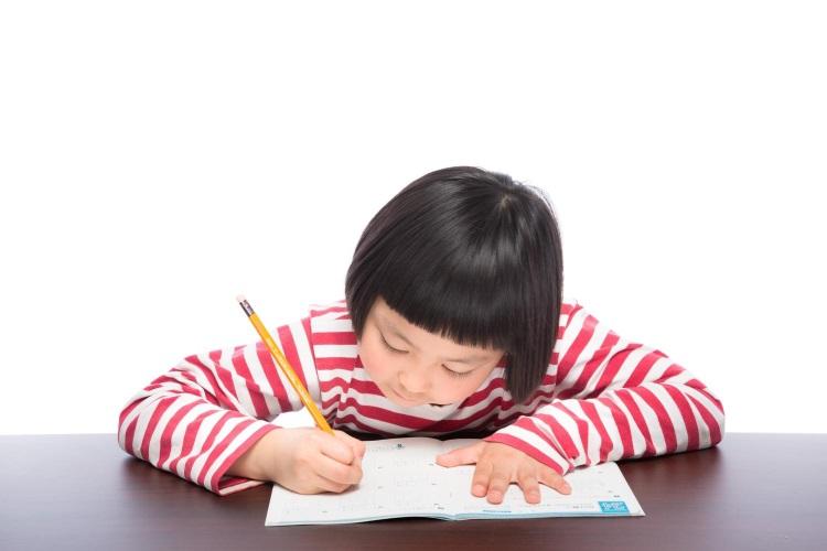 図書館や喫茶店で集中して勉強するために気を付けること